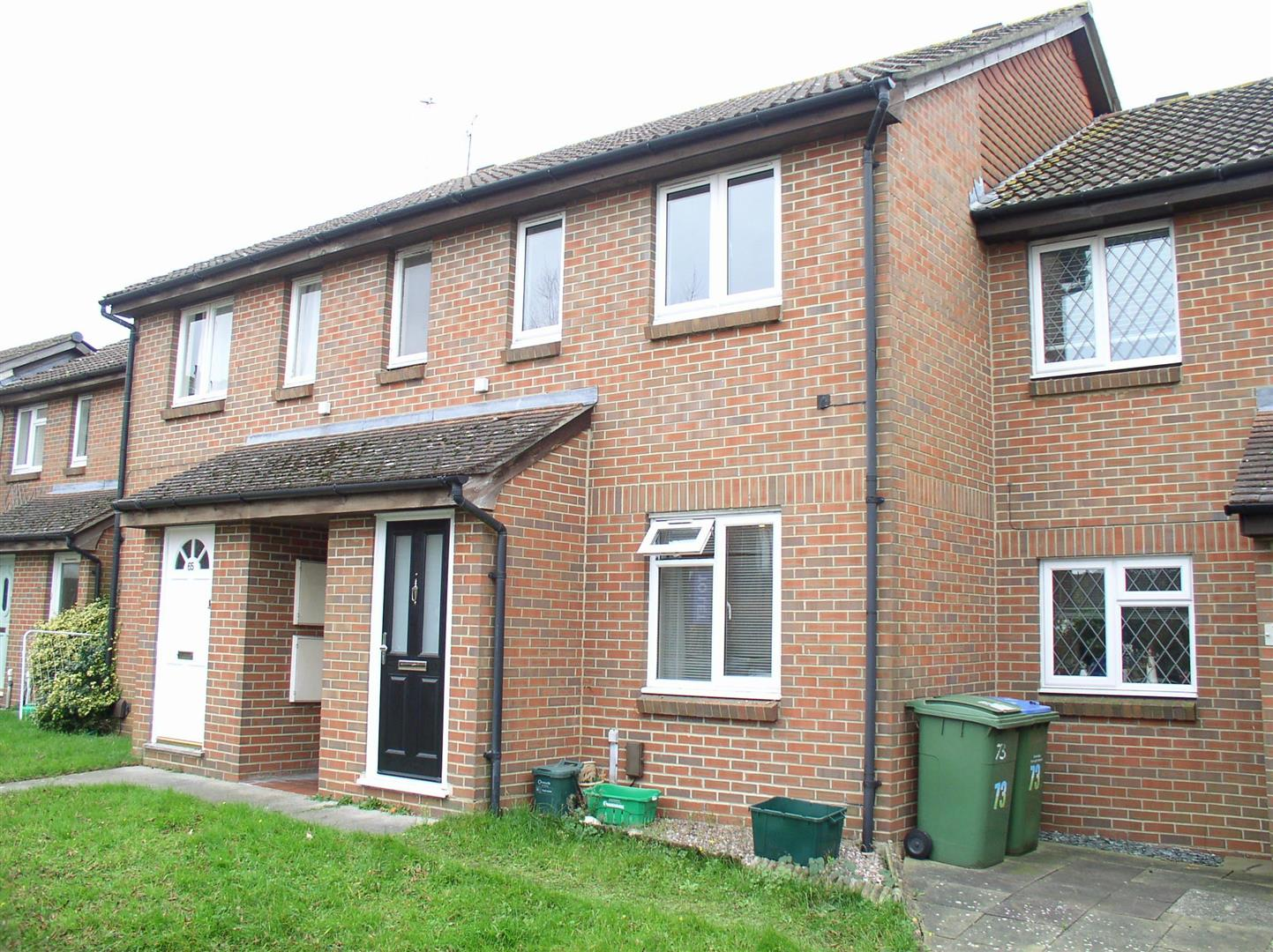 1 Bedroom Flat for sale in Shaw Drive, Walton-On-Thames